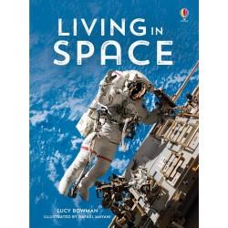 Living in space - Beginners , Carte Usborne Engleza